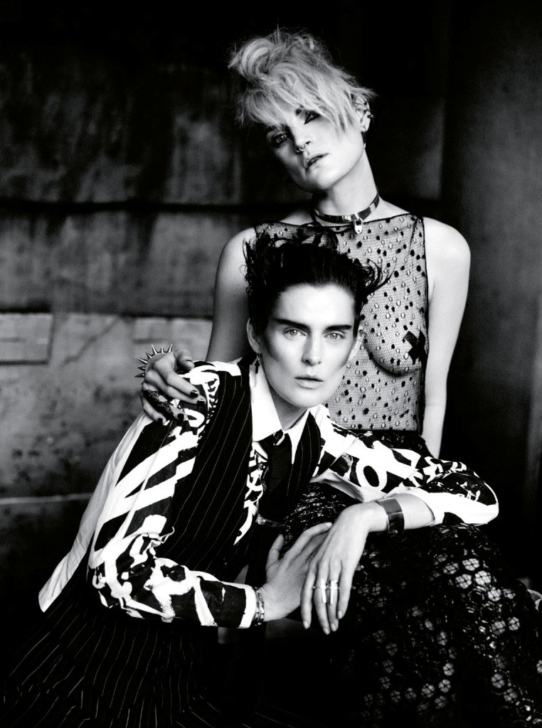 Photo STELLA TENNANT & GUINEVERE VAN SEENUS BY PAOLO ROVERSI FOR VOGUE UK MAY 2013