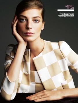 daria-werbowy-for-stylist-magazine-168-april-2013-3