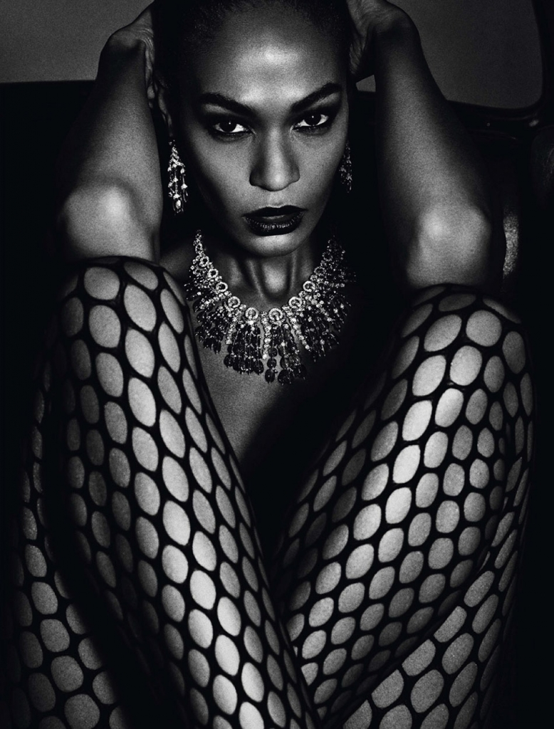 joan-smalls-for-vogue-paris-junejuly-2013-by-mario-sorrenti-10