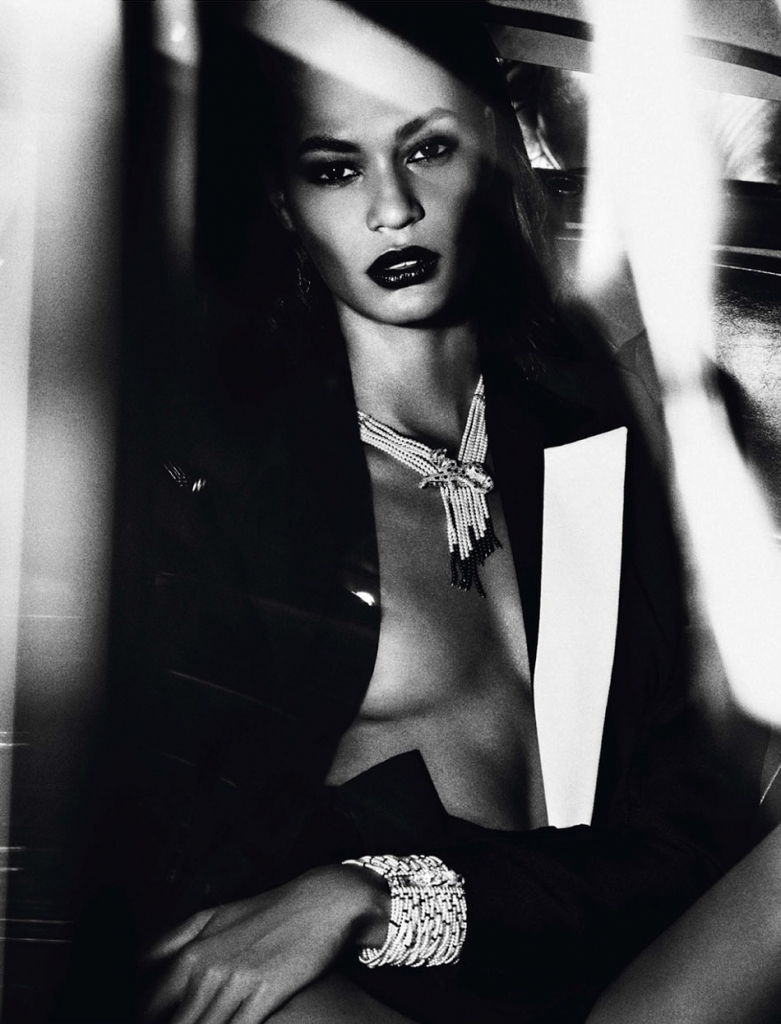 joan-smalls-for-vogue-paris-junejuly-2013-by-mario-sorrenti-8