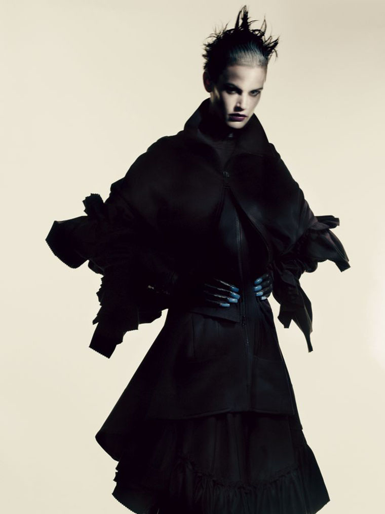 saskia-de-brauw-by-paolo-roversi-for-interview-magazine-may-2013-3