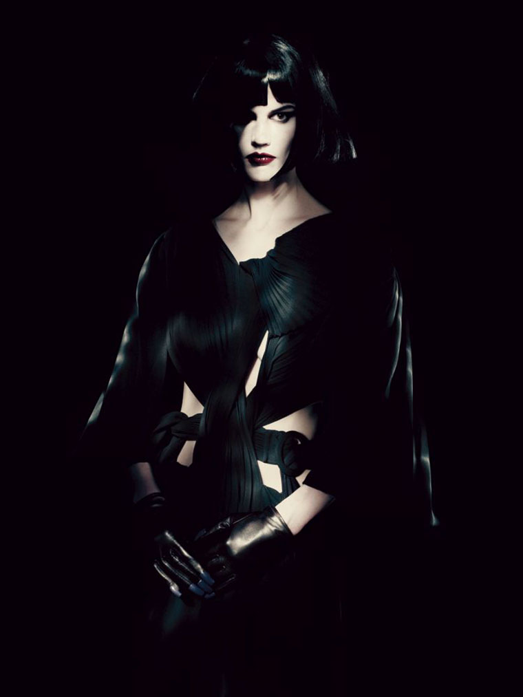 saskia-de-brauw-by-paolo-roversi-for-interview-magazine-may-2013-4
