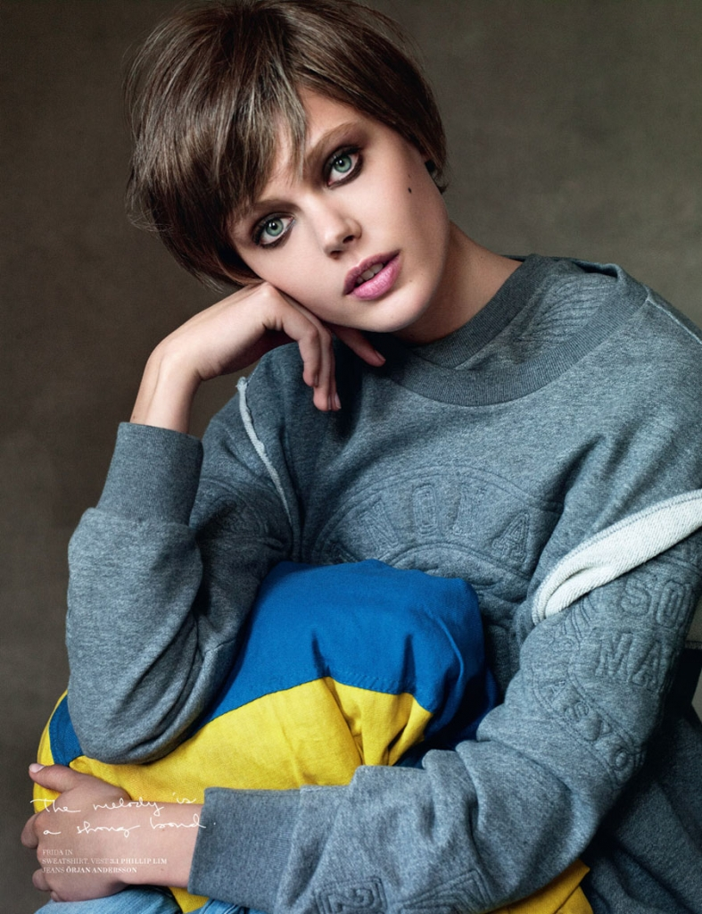 frida-gustavsson-and-josephine-skriver-by-victor-demarchelier-for-scandinavia-ssaw-fw-2013-4