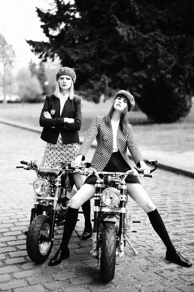 Photo MARIA LOKS & MANON LELOUP BY MATHIEU CESAR FOR CR FASHION BOOK