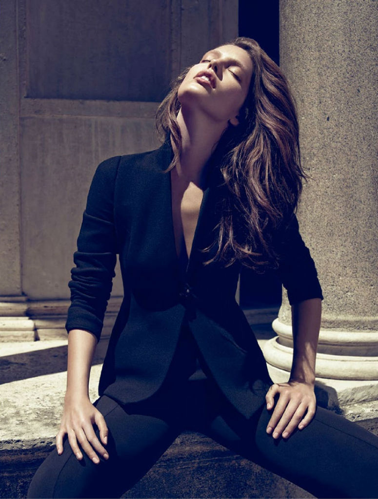 Photo Emily DiDonato for Vogue Spain August 2013 by Miguel Reveriego