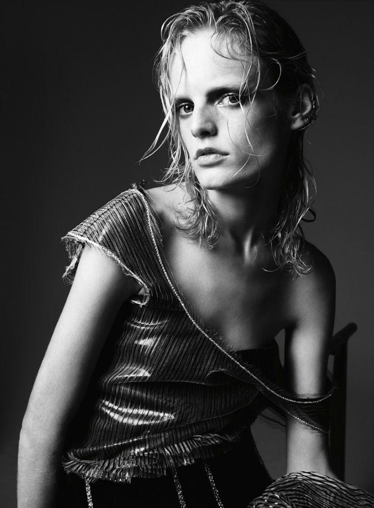 hanne-gaby-odiele-for-harpers-bazaar-turkey-august-2013-by-gianluca-fontana-12