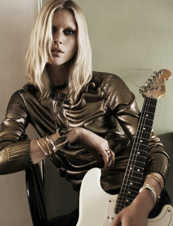 iselin-steiro-by-josh-olins-for-vogue-uk-august-2013-8