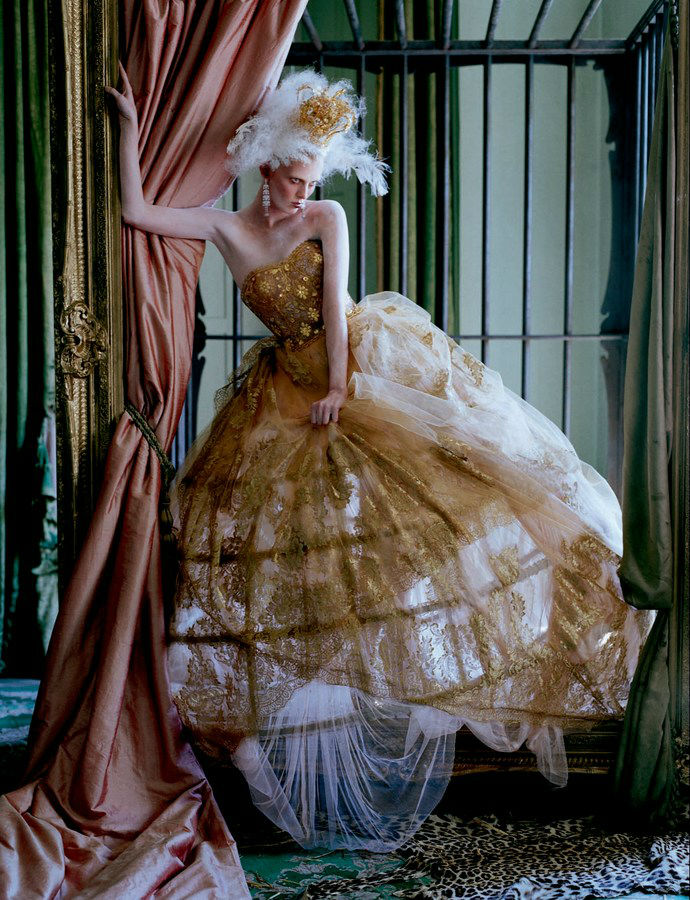 karen-elson-edie-campbell-by-tim-walker-for-love-magaine-10-fall-winter-2013-2014-6