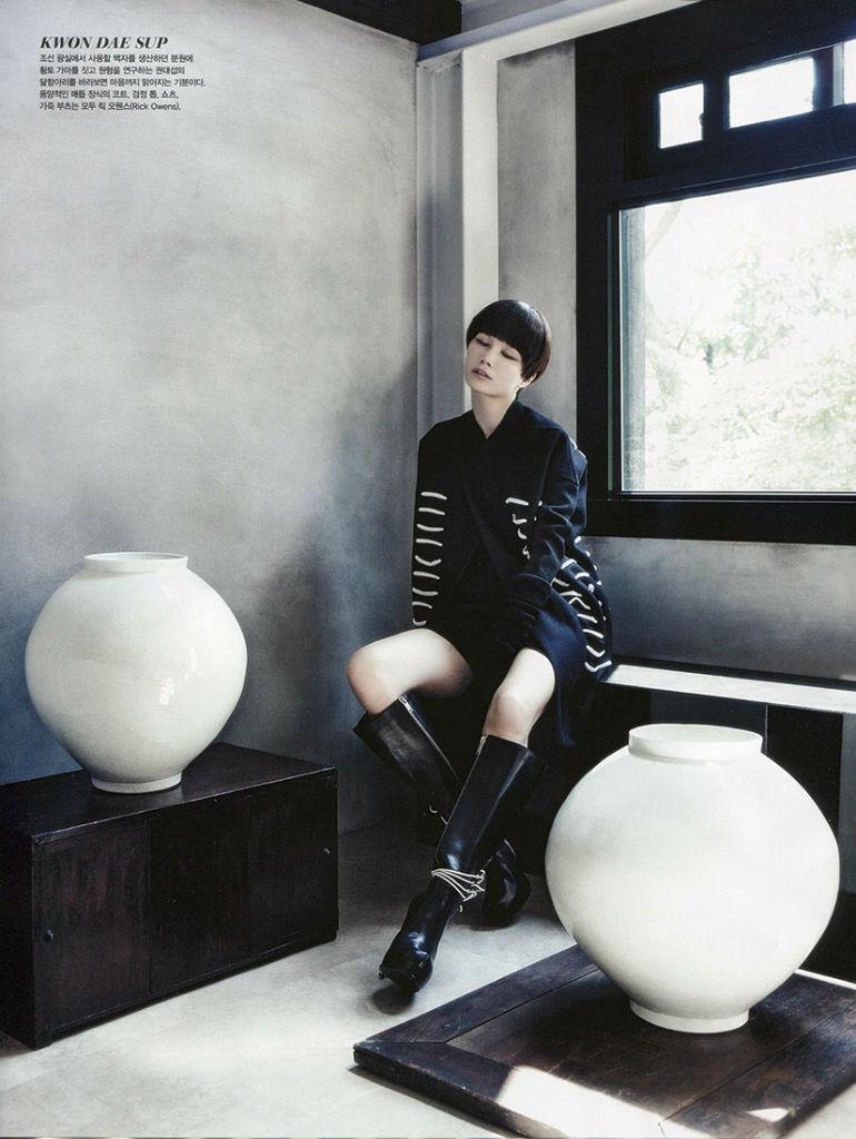 lee-hye-jung-lee-hyun-yi-song-kyung-ah-park-sera-for-vogue-korea-august-2013-18