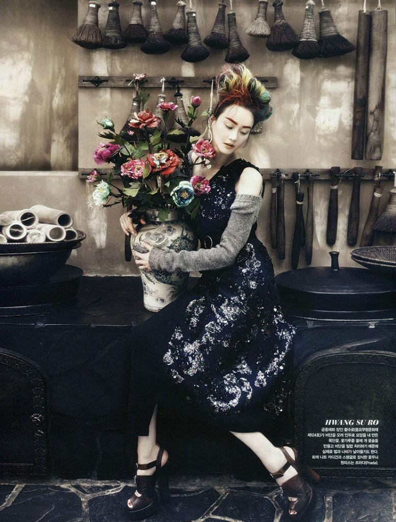 lee-hye-jung-lee-hyun-yi-song-kyung-ah-park-sera-for-vogue-korea-august-2013-20