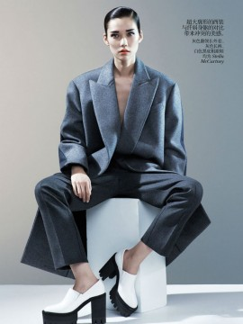 tao-okamoto-by-josh-olins-for-vogue-china-august-2013-4