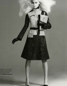 viktoriya-sasonkina-for-vogue-russia-august-2013-by-chad-pitman-4