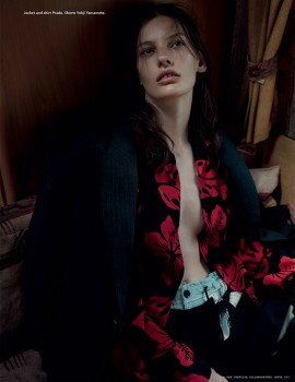 amanda-murphy-by-willy-vanderperre-for-i-d-magazine-fall-2013-9-2