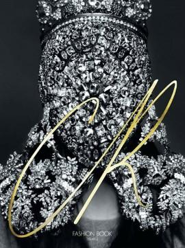 cr-fashion-book-3