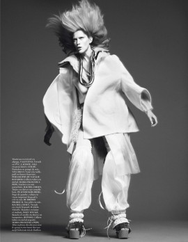 iselin-steiro-by-david-sims-for-vogue-paris-october-2013-5