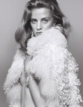 julia-frauche-by-benjamin-lennox-for-numero-september-11