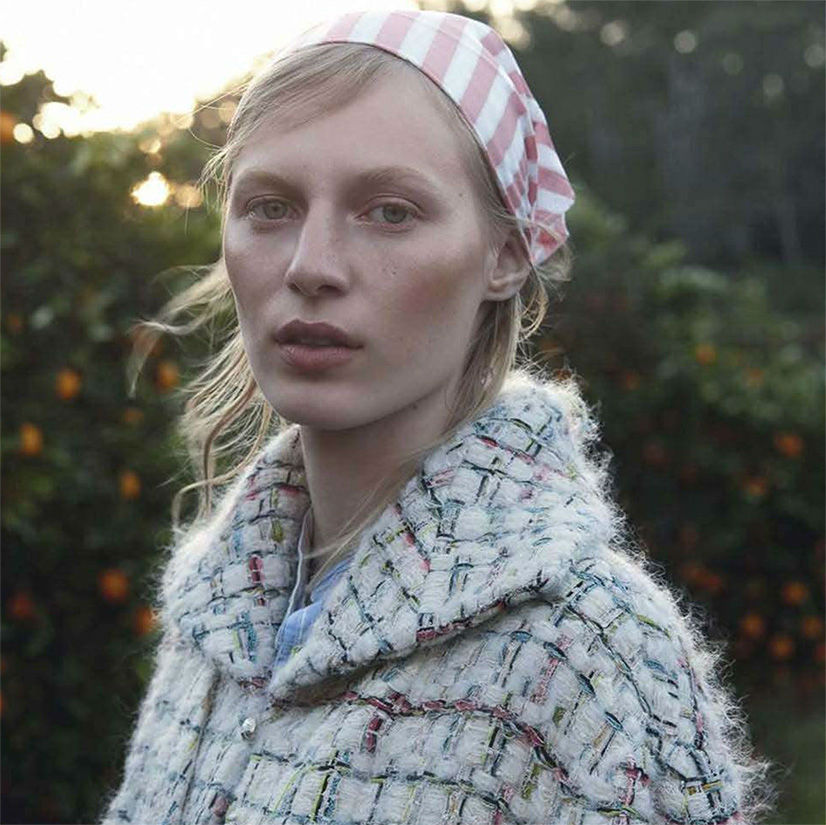 julia-nobis-for-vogue-australia-october-by-stephen-ward-12