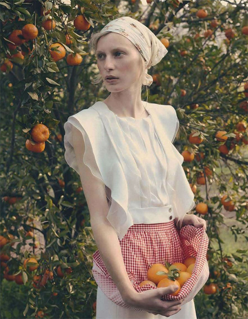 julia-nobis-for-vogue-australia-october-by-stephen-ward-8