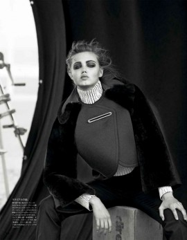 lindsey-wixson-for-vogue-japan-october-2013-by-peter-lindbergh-5