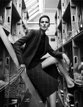stella-tennant-for-the-gentlewoman-fall-winter-2013-2014-by-benjamin-alexander-huseby-8