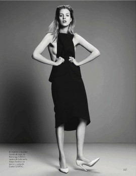 julia-frauche-paola-kudacki-vogue-spain-november-2013-3