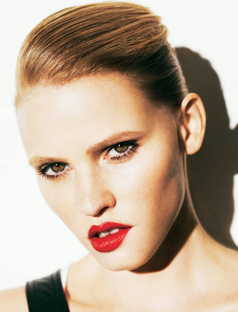 Photo Lara Stone for Madame Figaro October 2013