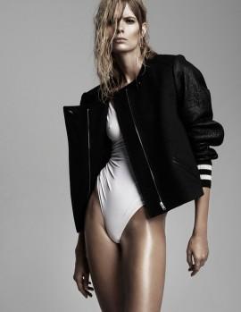 julia-stegner-25-magazine-4