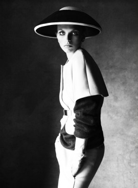 karlina-caune-victor-demarchelier-magazine-antidote-1