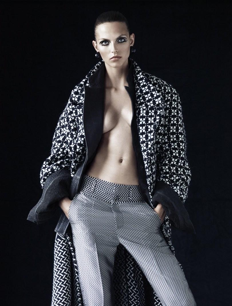 Photo Karlina Caune by Victor Demarchelier for Magazine Antidote Paris Issue