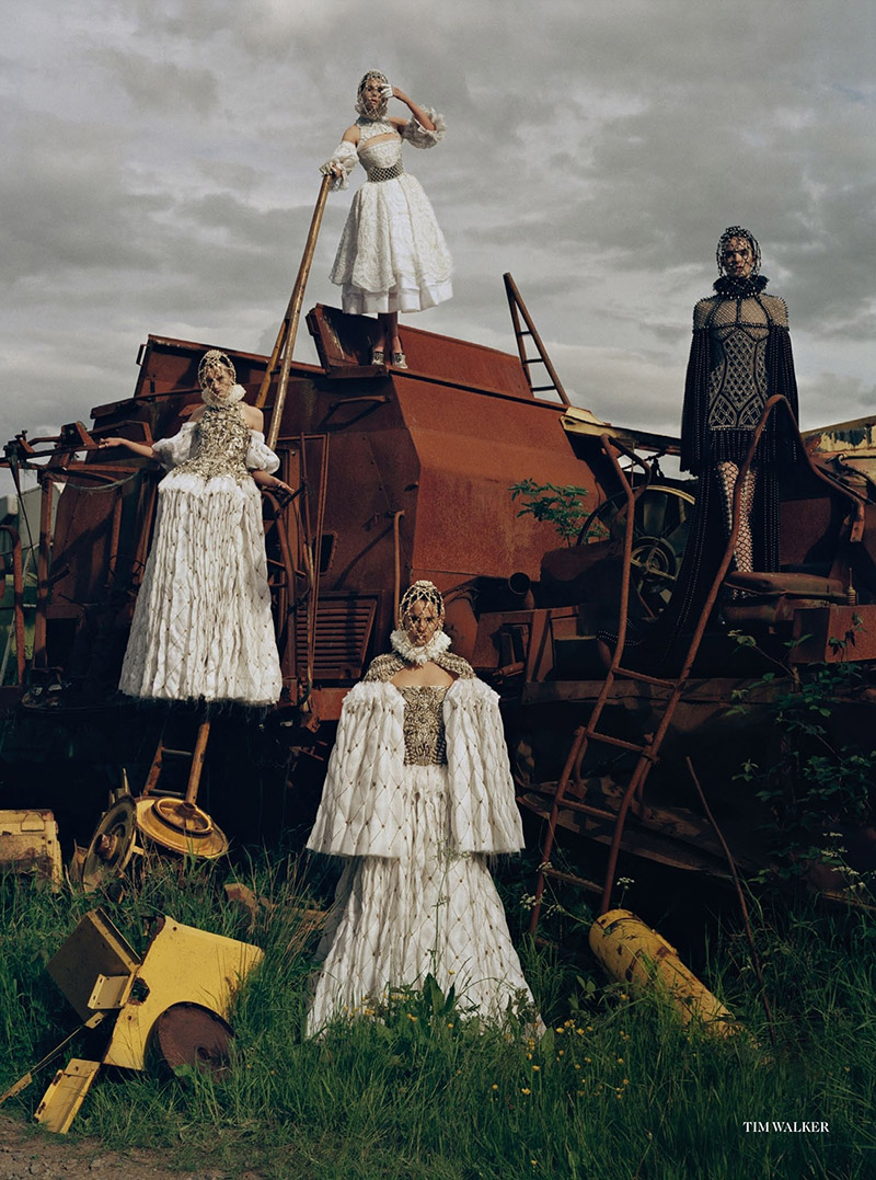 maid-in-britain-tim-walker-vogue-uk-december-2013-2