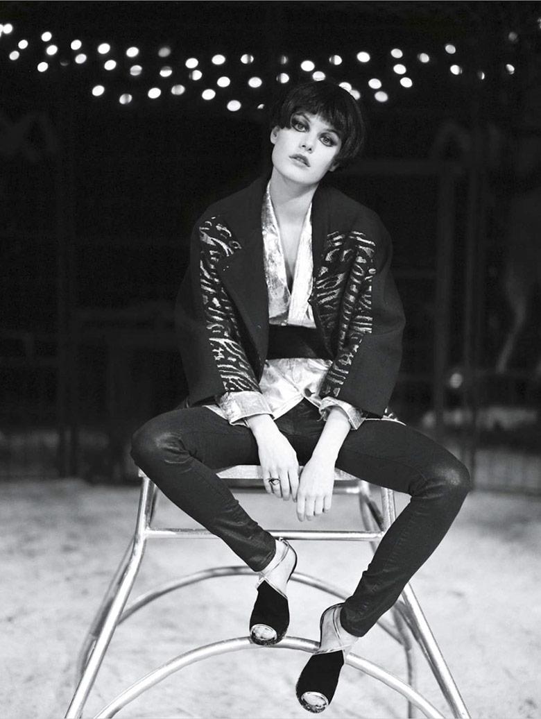 Photo Camille Rowe for LOfficiel Paris