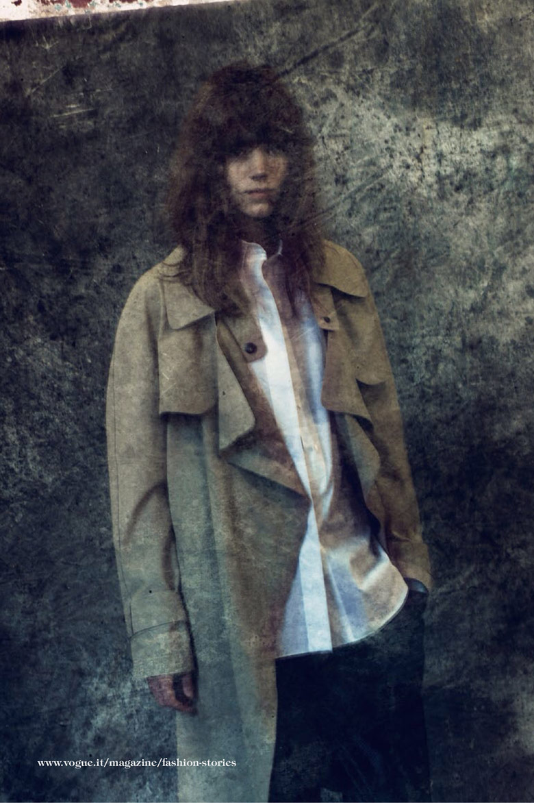 Photo Freja Beha Erichsen by Paolo Roversi for Vogue Italia December 2013