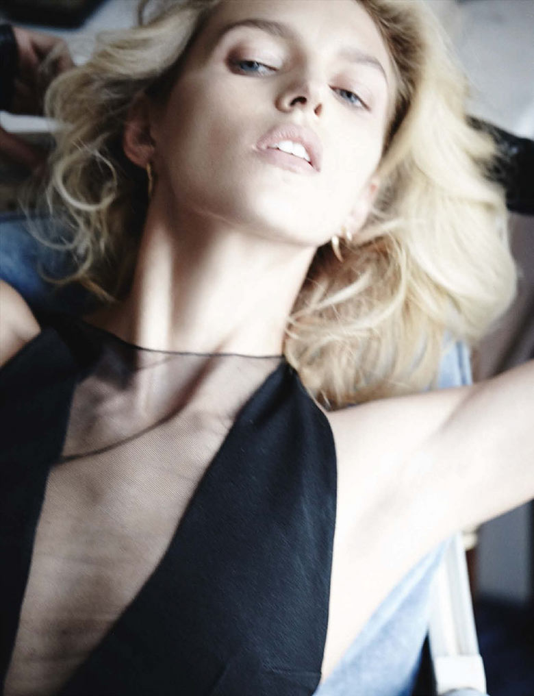 Photo Anja Rubik by Mario Testino for Vogue Germany March 2014