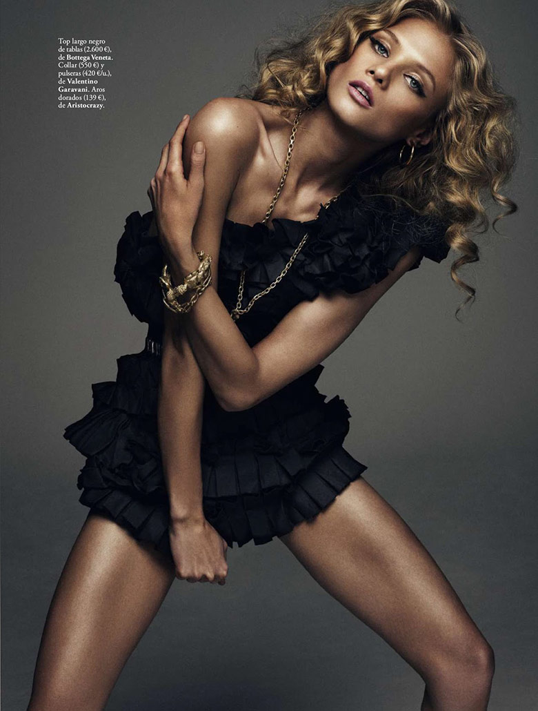 Photo Anna Selezneva by Xavi Gordo for Elle Spain March 2014