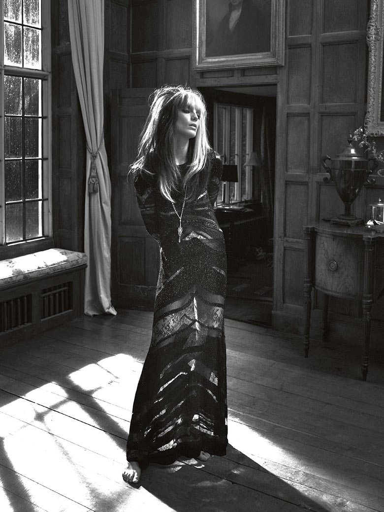 Photo Daria Werbowy by Mert & Marcus for Vogue UK March 2014