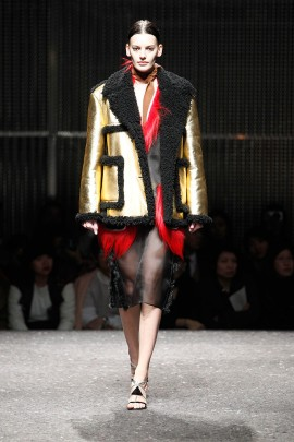 prada-fall-winter-2014-2015-13