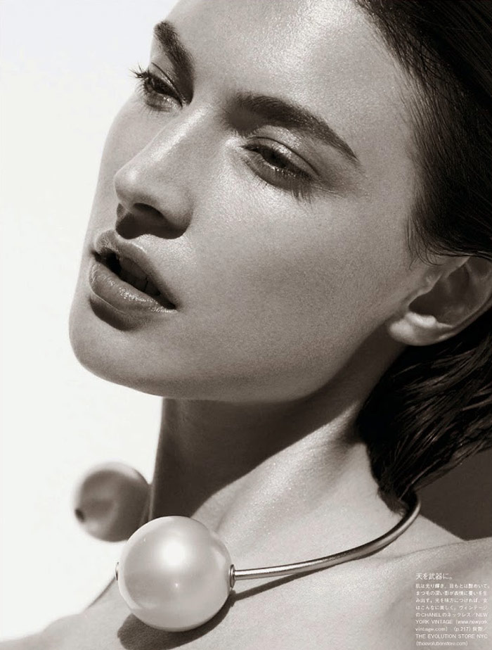 Photo Jacquelyn Jablonski by Julia Noni for Vogue Japan May 2014
