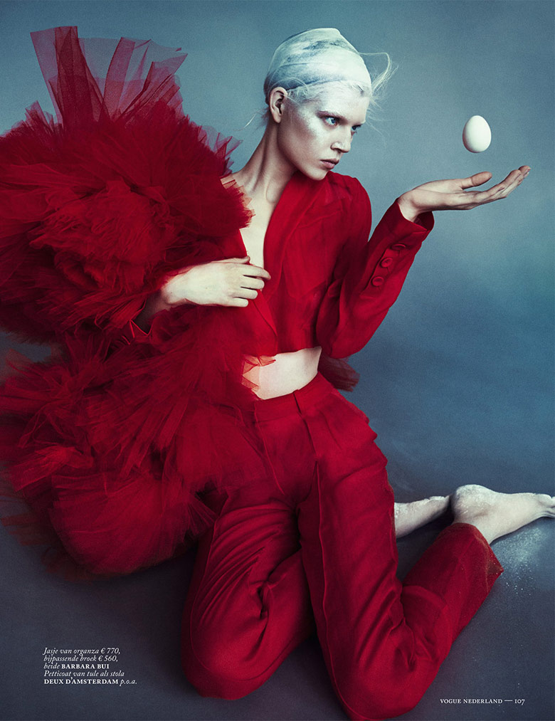 Photo Ola Rudnicka by Boe Marion for Vogue Netherlands April 2014