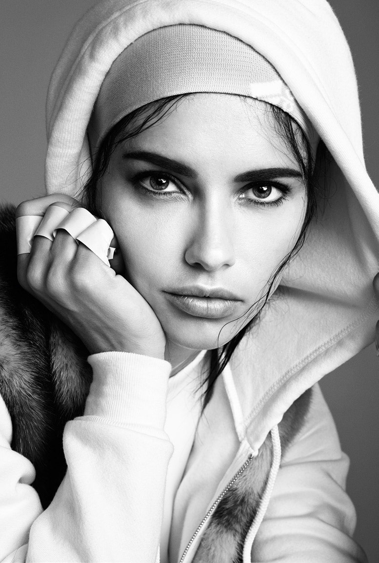 Photo Adriana Lima as the fashion's athlete for Vogue Italia June 2014