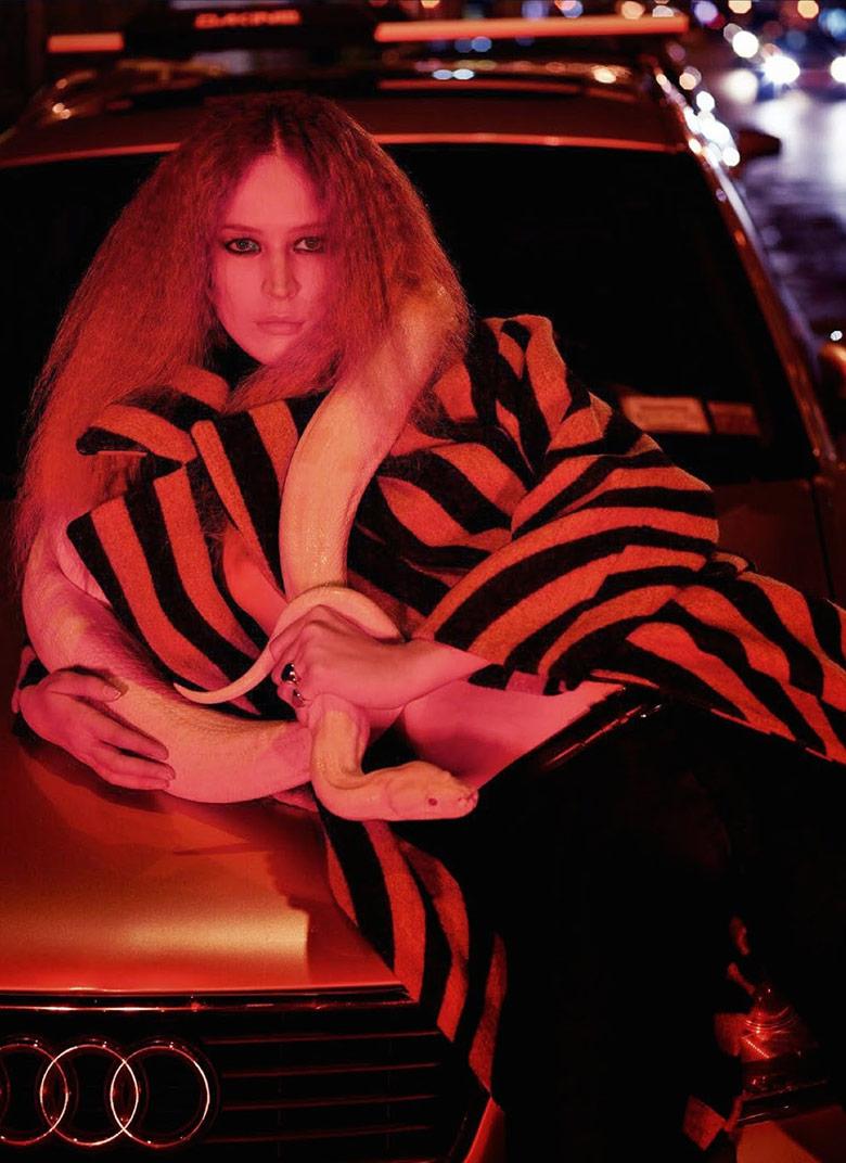 Photo Raquel Zimmermann by Mario Sorrenti for Vogue Paris August 2014