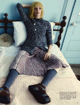 alisa-ahmann-stephanie-joy-field-vogue-germany-september-2014-8