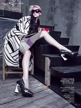 sasha-luss-irina-kravchenko-vogue-china-october-2014-14