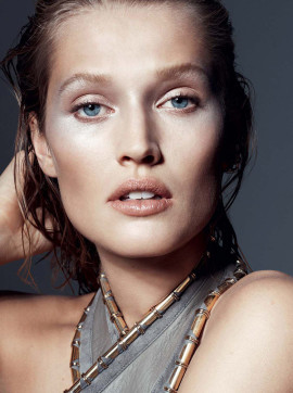 toni-garrn-lexpress-styles-december-2014-2