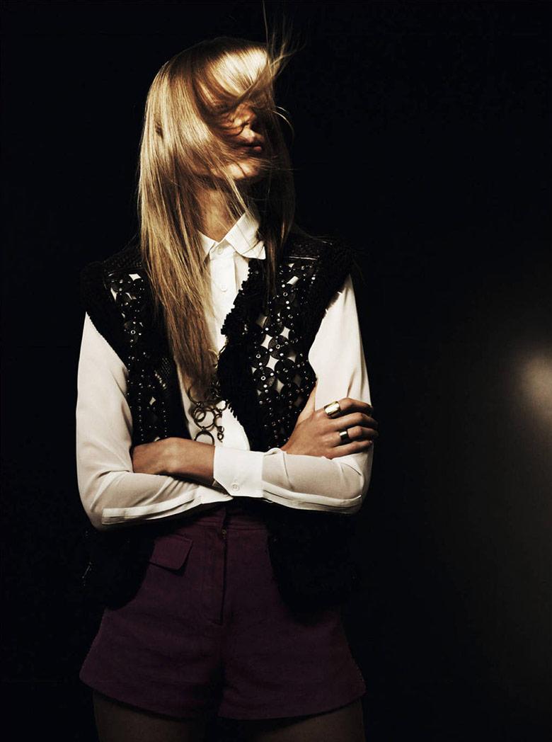 Photo Elisabeth Erm by Jonas Bresnan for French Revue De Modes