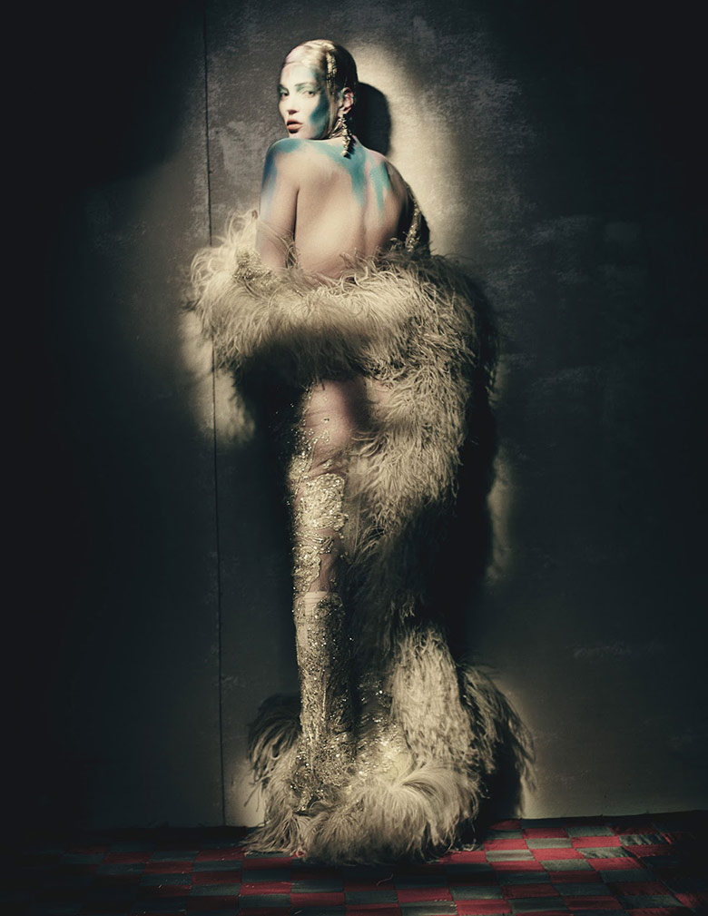 Photo Kate Moss by Paolo Roversi for W April 2015
