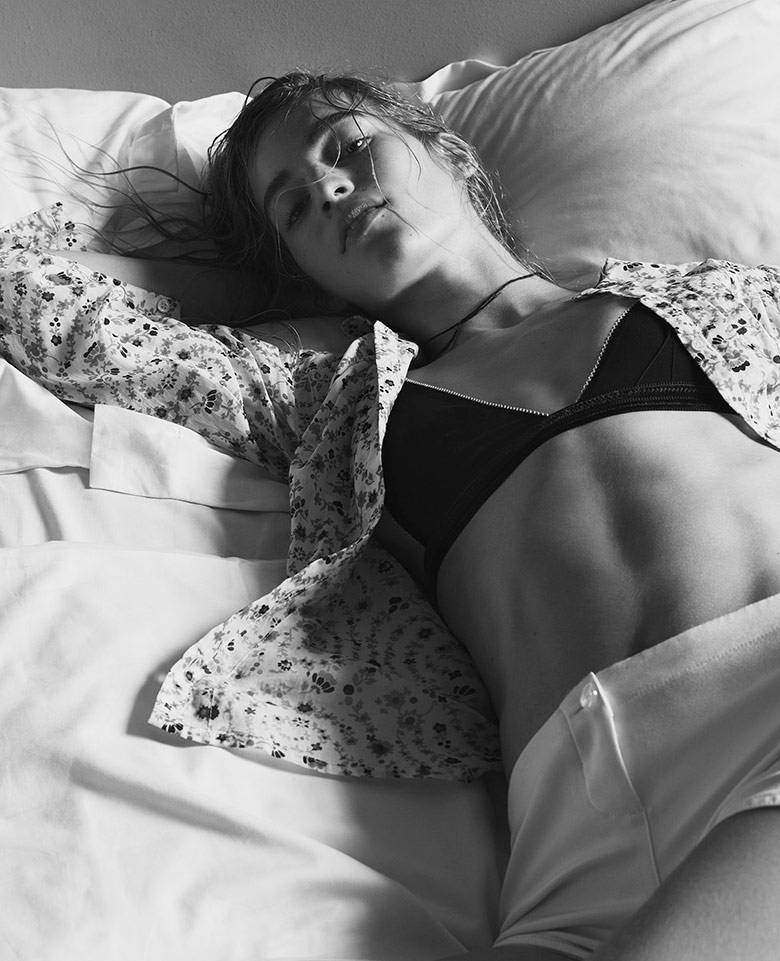 Photo Vanessa Axente by Nick Dorey for Twin S/S 2015