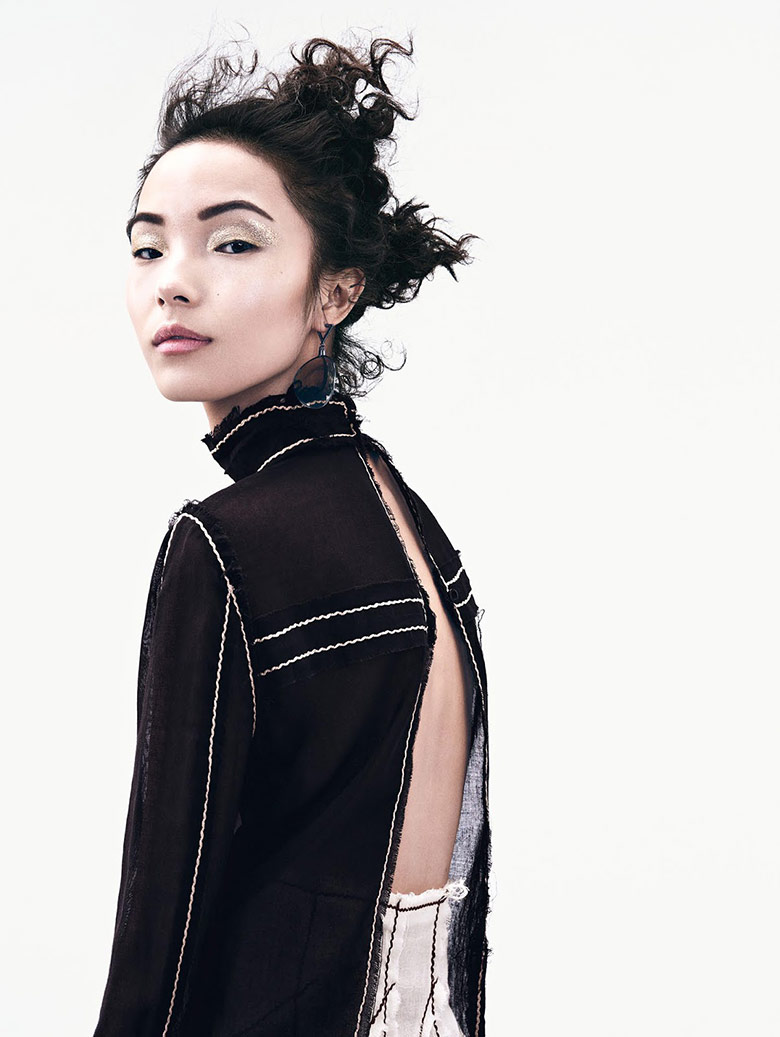 xiao-wen-ju-sharif-hamza-vogue-china-june-2015-4