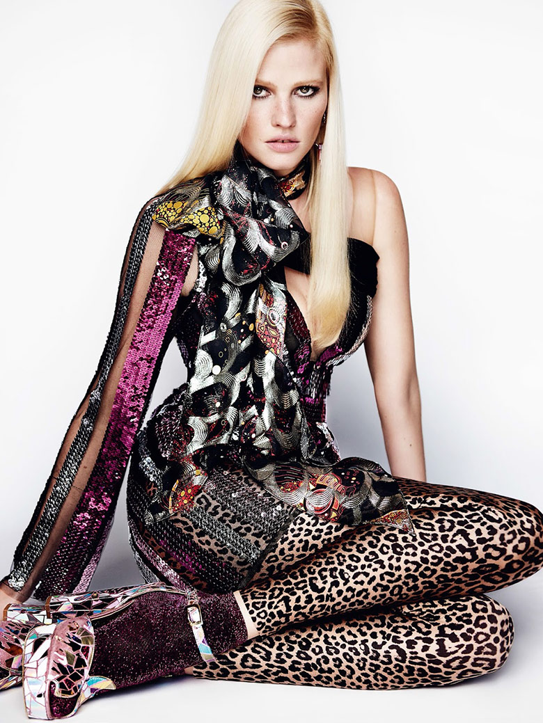 Photo Lara Stone by Mario Testino for Vogue UK August 2015