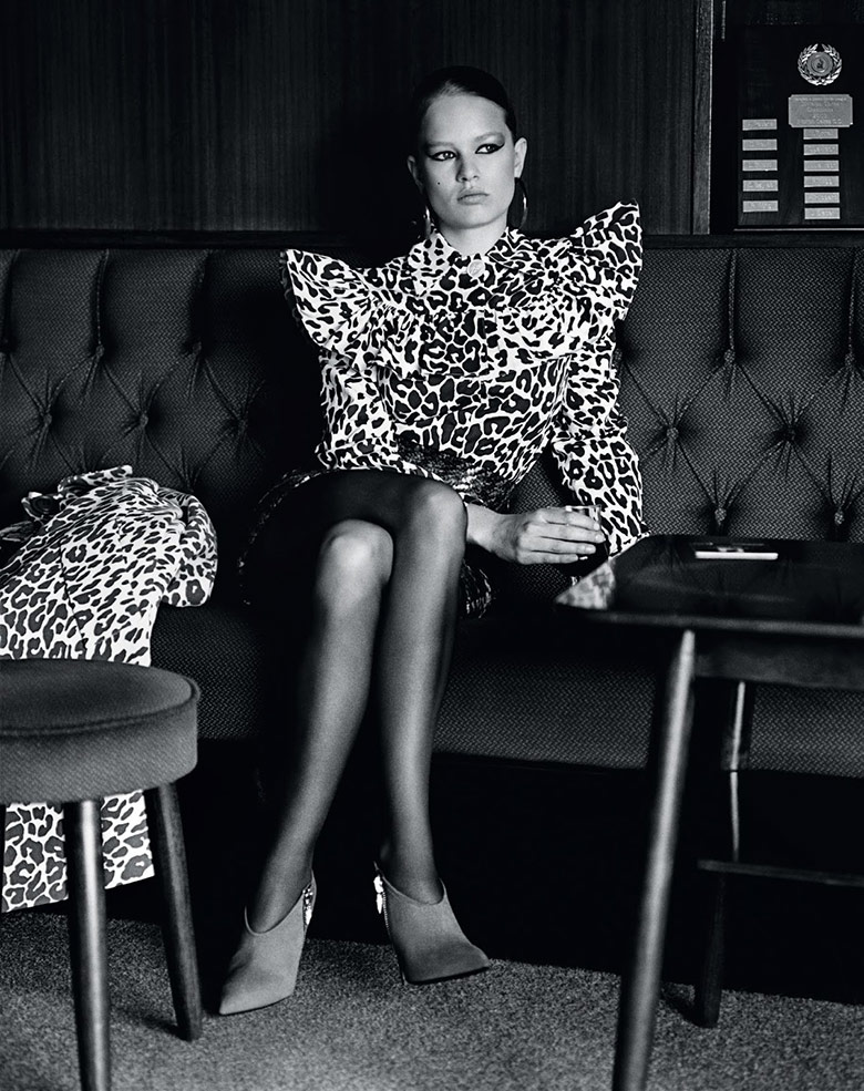 Photo Anna Ewers by Alasdair Mclellan for Vogue UK September 2015