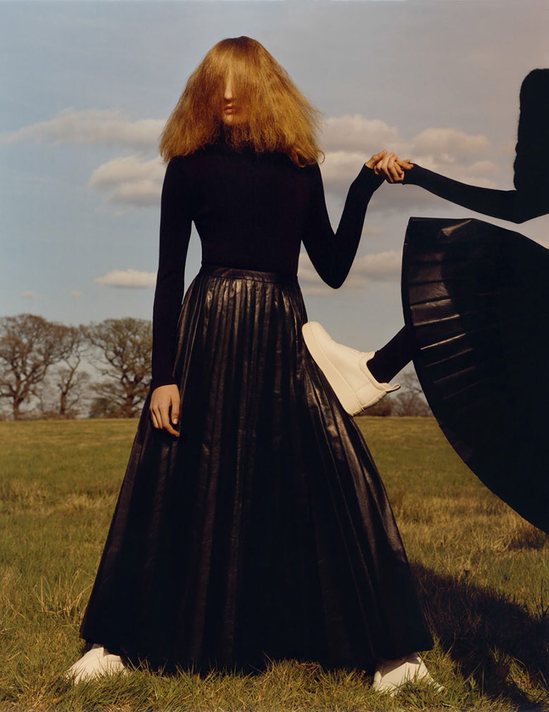 Photo 'Fade To Black' by Jamie Hawkesworth for Vogue UK September 2015